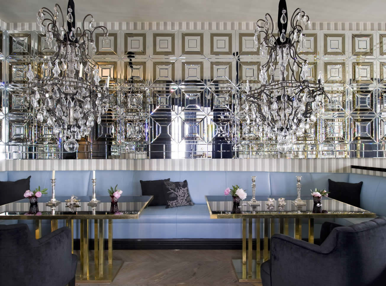 Madrid lorenzo castillo for Glam dining room ideas